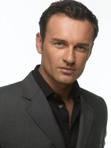 where is julian mcmahon(cole) born in ?