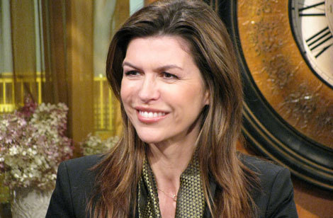 where is finola hughes(patty) born in ?