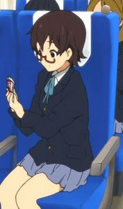 (S2)In EP04 (the wonderful school field trip EP), on the train to Kyoto, Nodoka is playing cards. Who does she play with?