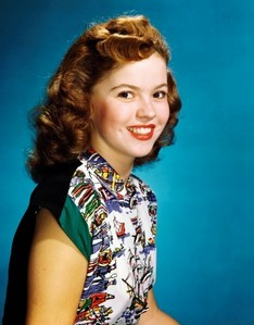 CELEBRITY HEIGHT - How tall is Shirley Temple?