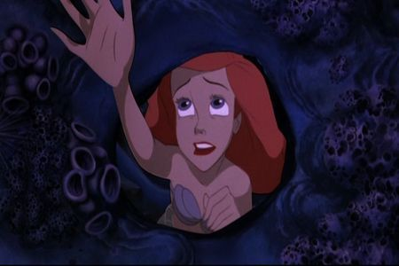 Who is the 歌う voice of Ariel?