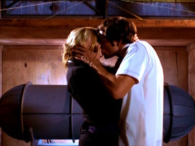 Did Sarah kiss Chuck in this scene?