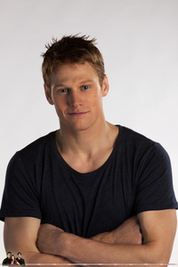 Zach Roerig complete name is