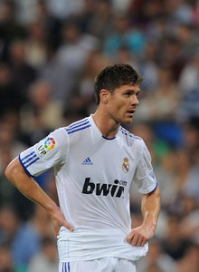 He currently plays for Real Madrid. What's the number of his shirt?