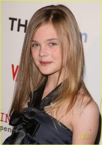 What is Elle Fanning's real name?