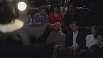 In 6x08 Reflection of Desire the team watches who perform on stage: