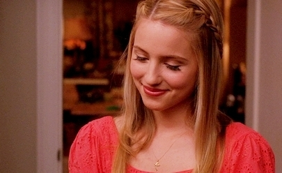 What is Quinn's older sister's name?