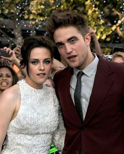 """Sometimes just when I say hello the right way, I'm like, Whoa, I'm so cool."" who said it, Robert or Kristen?"