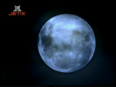 How many episodes have in season 3 with full moon?