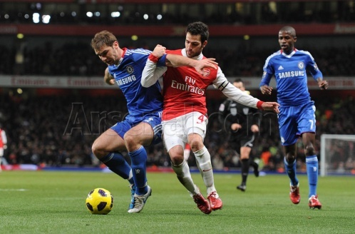 Premier League 2010/2011: What is the score when Arsenal faces Chelsea in Emirates Stadium?