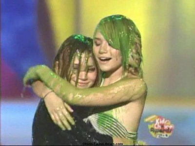 What year did Mary-kate and Ashley get SLIMED ?