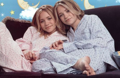 Who were the lucky guys to get Mary-kate and Ashley&#39;s first screen kiss ?