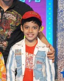 True or False: Darsheel Safary is the youngest nominee for the Filmfare Award for Best Actor at age 12.