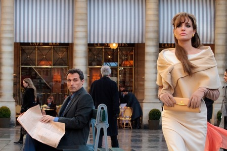 How many outfits wears Angelina during this movie?