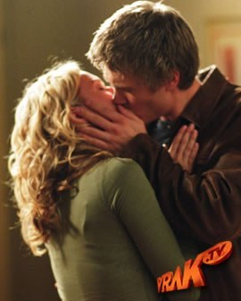 Leyton's kiss - Which season ?