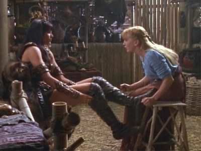 "What was Xena's reply to Gabrielle's question about the Chakram (""The thing you did with the hoop - That was amazing. Where did you get that? Did you make it yourself?"")?"