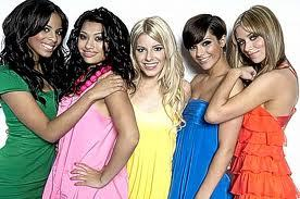 The saturdays have colour-coded microphones, but what colour ended microphone has rochelle got?