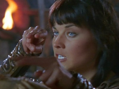 "In the first episode ""Sins of the Past"" we can see Xena's deadly pinch for the first time. Which villain did She put it on?"