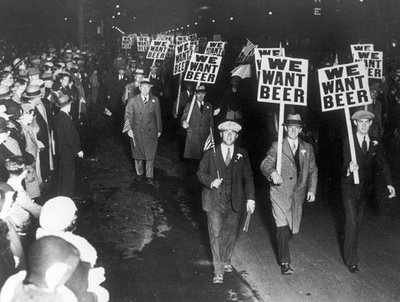 True atau False: During Prohibition, the U.S. government poisoned alcohol to keep people from drinking it.