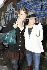 Who is the girl with Taylor?