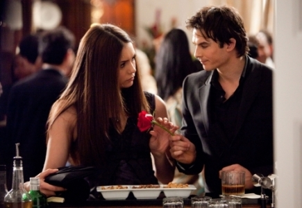 Which episode? Elena: I think 당신 should stop with the flirty little 코멘트 and the eye thing 당신 do. Damon: What eye thing?