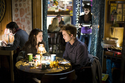 What is the song name is in the restaurant scene in the movie twilight?