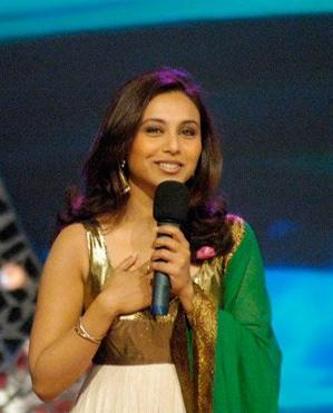 T/F:Rani Mukherjee changed the English transliteration of her surname from 'Mukherjee' to 'Mukerji'?