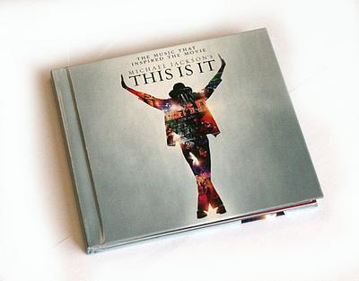 How many tracks are on the This Is It album? (Disk one only)
