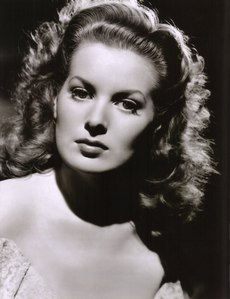 Maureen O'Hara was brought to Hollywood 由 which famed person?