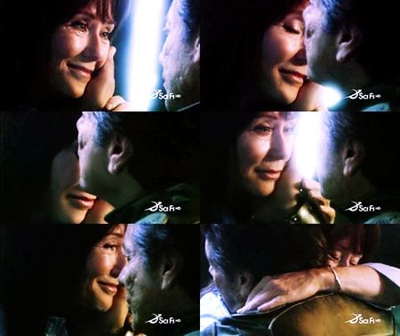 Adama: Missed you. Roslin: Me too. (They embrace) ...I amor you. Adama: About time. -Which episode?-