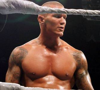 In what year did Randy Orton sign a contract to WWE ?