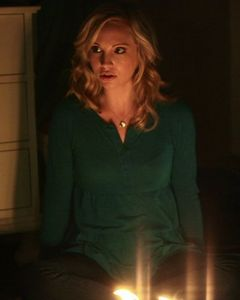 In which episode does Caroline turn into a vampire?