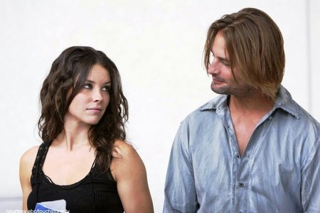 In which season Sawyer says he loves Kate?