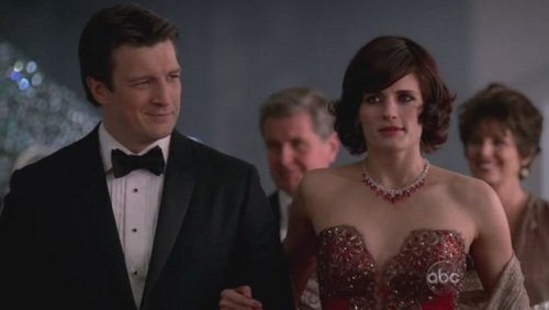 "In the episode 집 is where the 심장 stops Esposito says "" Woah nice dress Beckett."" What does she say to him?"