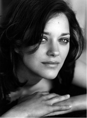 What film did Marion Cotillard win an Oscar for in 2007?