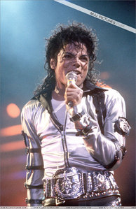 which was the tottal attendance of bad tour?