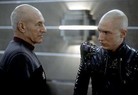 What is the name of the character Tom Hardy played in bintang Trek 'Nemesis'?