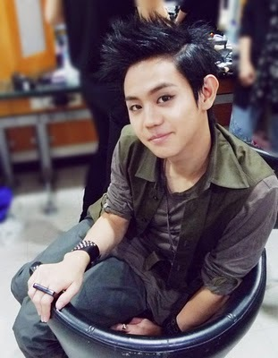 seob yo always get और attention from ..