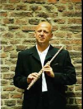 Who would thought Bruce Willis has a brother in Germany A Very Famous World Class Musician.