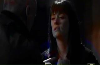 In this 6x18 Lauren scene Prentiss looks very tired: