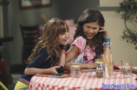 "SHAKE IT UP: What is the number of CeCe's dress in ""Meatball it Up""?"