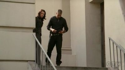 In 3x01 Doubt Prentiss and Morgan are doing what in this scene: