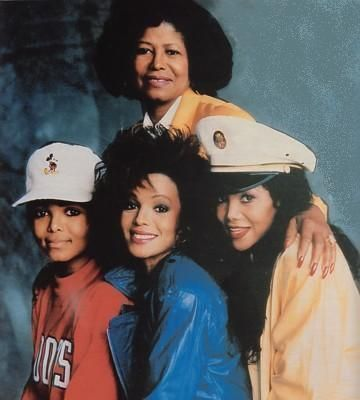 Which sister was Michael most close with ?