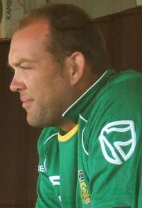 Jacques Kallis plays for the national team of...