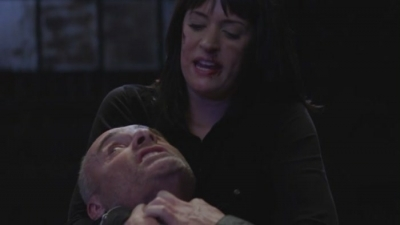 Prentiss does what to Doyle in this 6x18 Lauren scene: