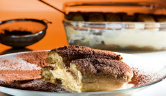 "Which is the literal meaning of ""tiramisu""?"