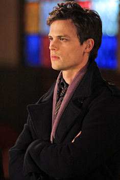 In which episode did Reid wear the purple scarf for the first time ?