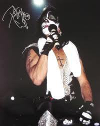 In 1978 Peter Criss was injured in a serious car accident.