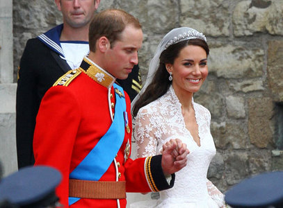 Kate wore Princess Diana's tiara with her wedding dress?