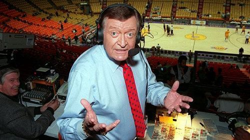 How many Lakers games did Chick Hearn broadcast consecutively from 1965 to 2001?